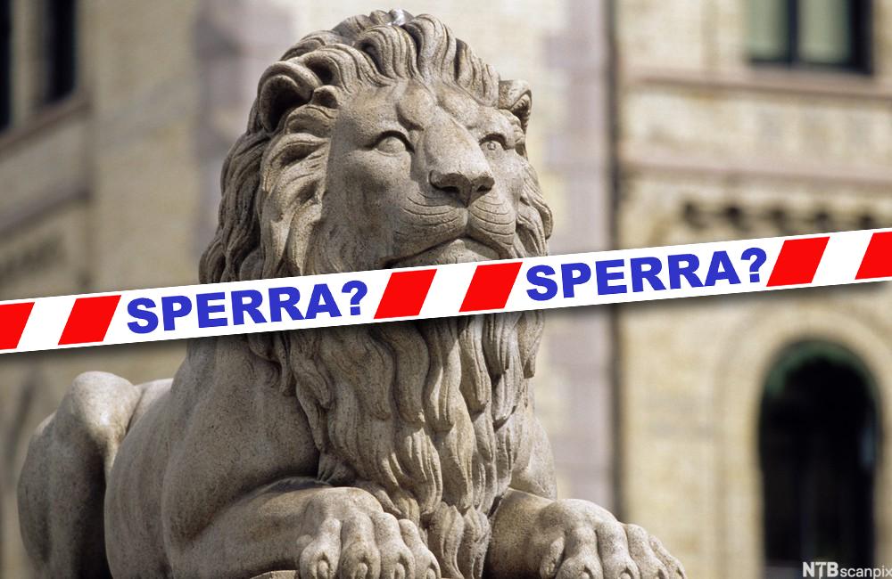 Løve foran Stortinget med sperrebånd