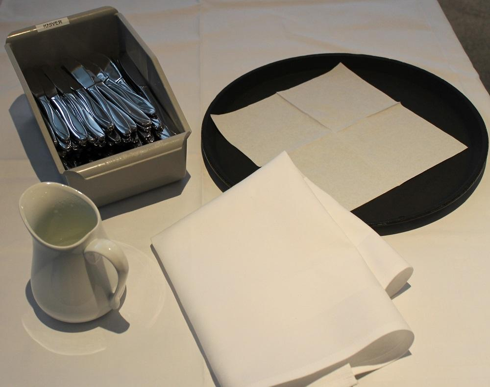 Utstyr for å polere bestikk. Foto.