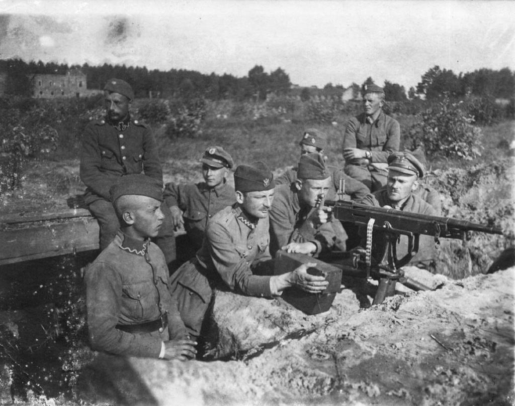 Polsk forsvarsstilling med maskingevær under den polsk-russiske krigen i august 1920. Foto.