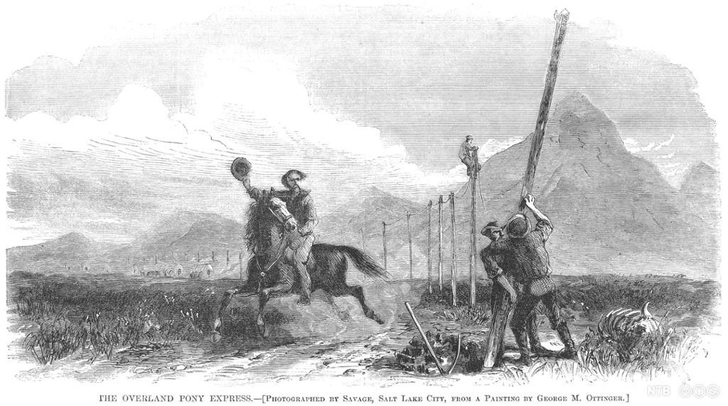 En mann på hest hilser arbeidere som setter opp telegrafstolper. Illustrasjon.