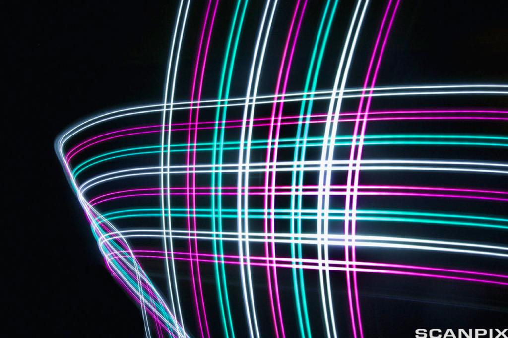 Bilde av farget lys på svart bakgrunn