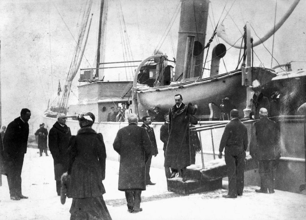 Kong Haakon ankommer Norge 1905