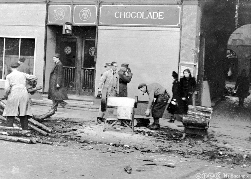 Vedhogging på Karl Johan vinteren 1944