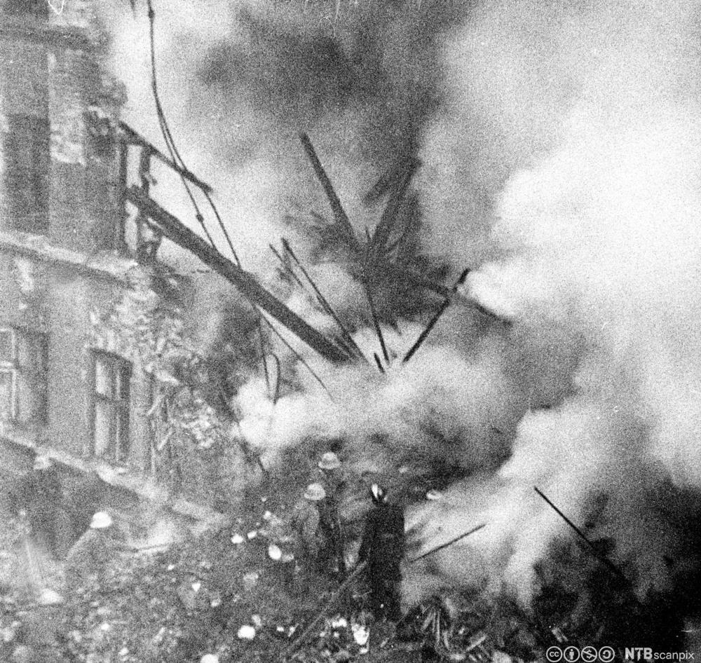 Alliert flyangrep mot Victoria Terrasse i Oslo, Gestapos hovedkvarter, 31. desember 1944. 78 sivile ble drept.