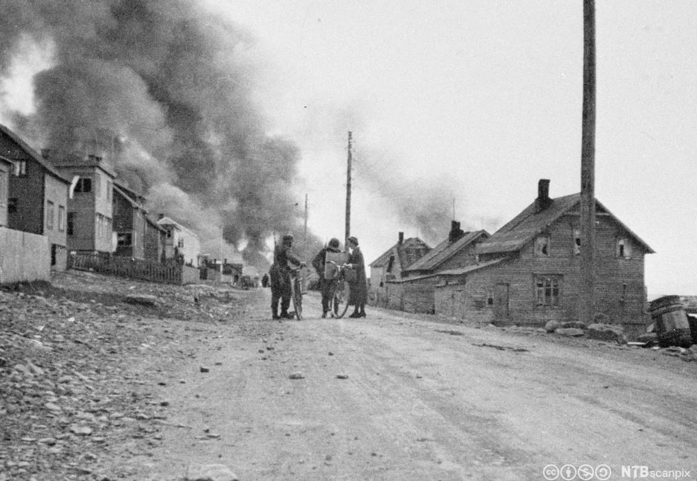 Vadsø brenner 1944
