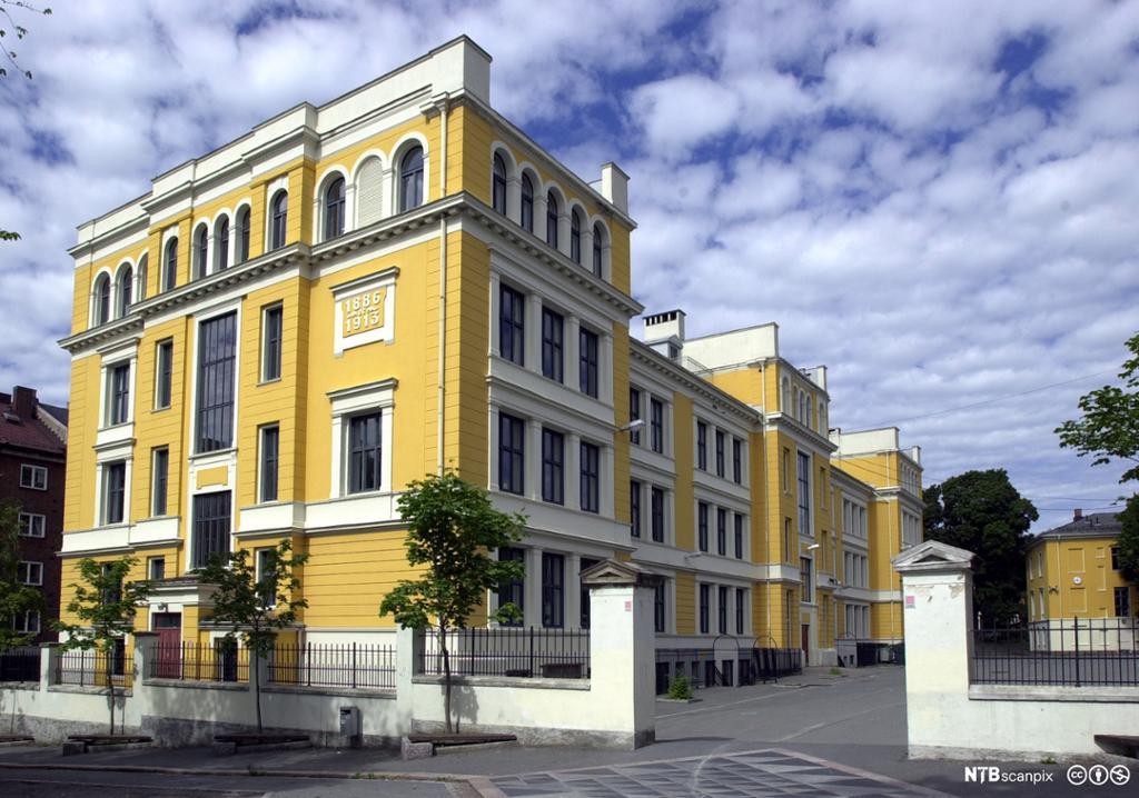 Lister videregående skole, Studiested i Flekkefjord