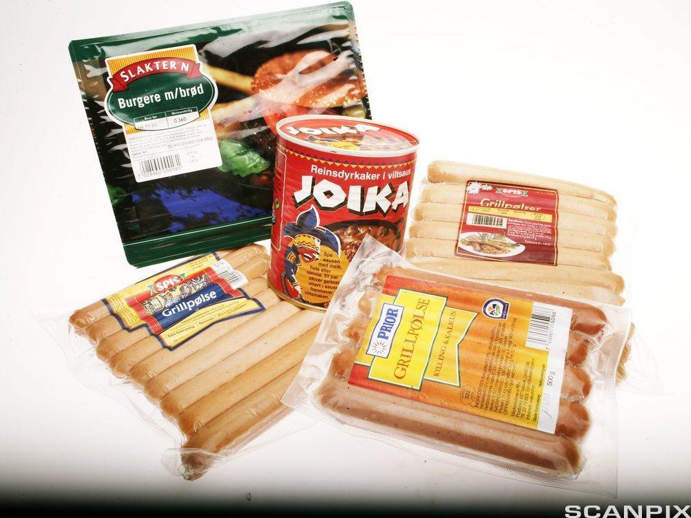 Pølse og kjøttprodukter fra ulike produsenter. foto.