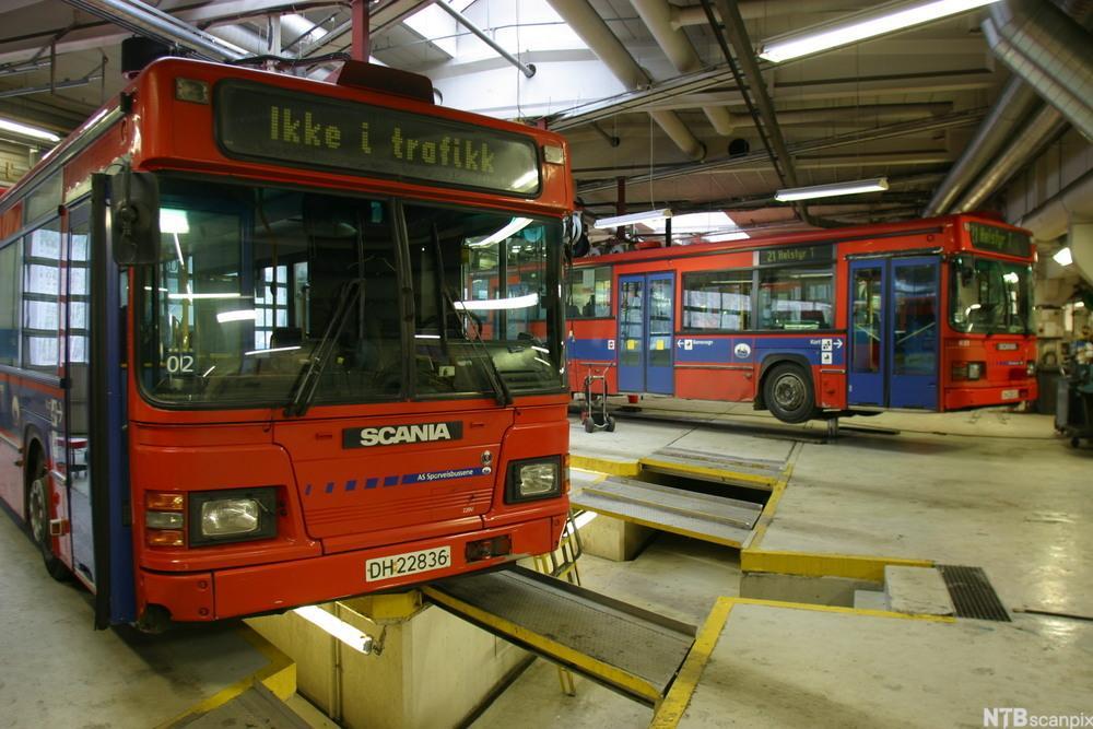 Bussverksted. foto.