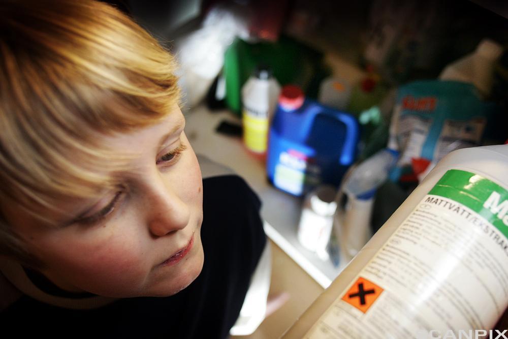 Unger og farlige kjemikalier i hjemmet