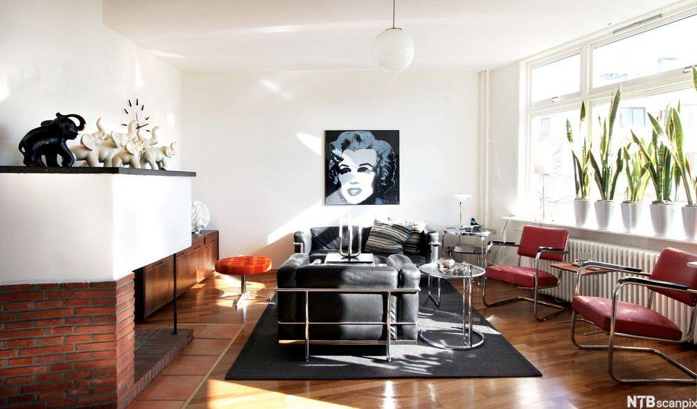 I stuen fra Frogner kan man se stoler designet av Marcel Breuer.