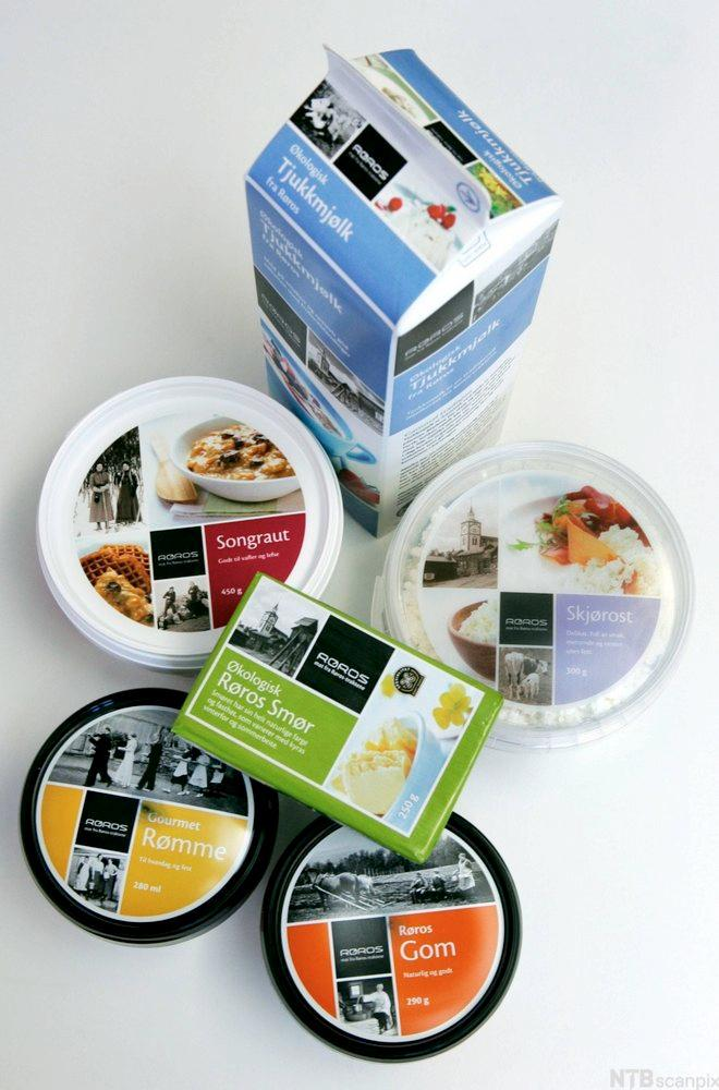 Bilde av ulike produkter fra Rørosmeieriet. Foto