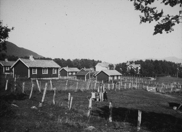 Gårdsbruk på Svanviken arbeidskoloni. Foto.