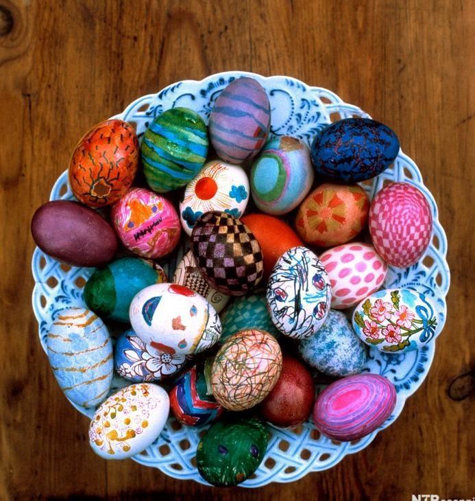 Malte egg i en stor bolle. Foto.
