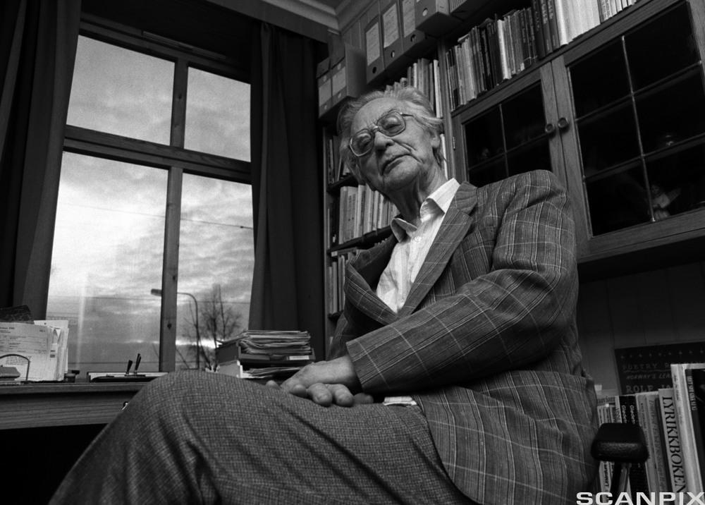 Forfattar Rolf Jacobsen