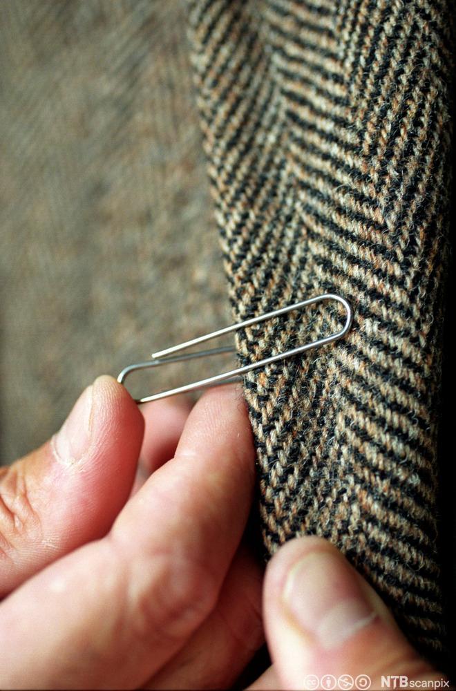 En binders på jakkeslaget var symbol på samhold under 2. verdenskrig.