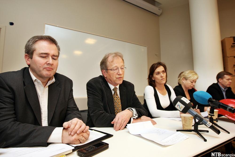 Bilde av en pressekonferanse i forbindelse med bygging av nytt operahus i Oslo.