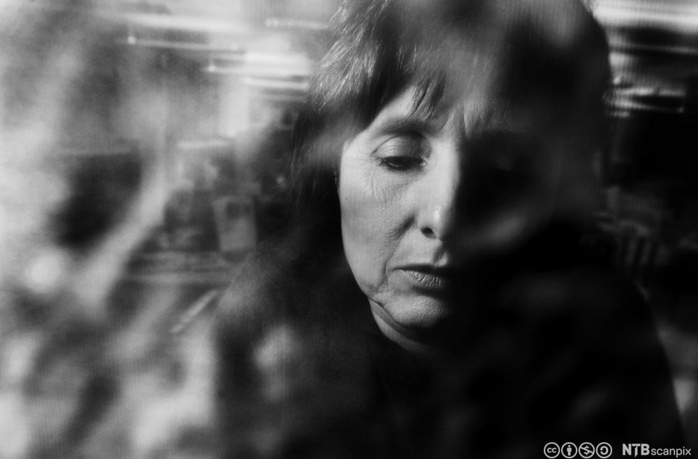 Deprimert kvinne. Foto.