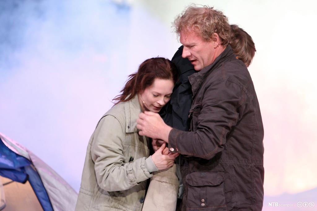 "Scene fra Ibsens drama ""Brand"". Foto."