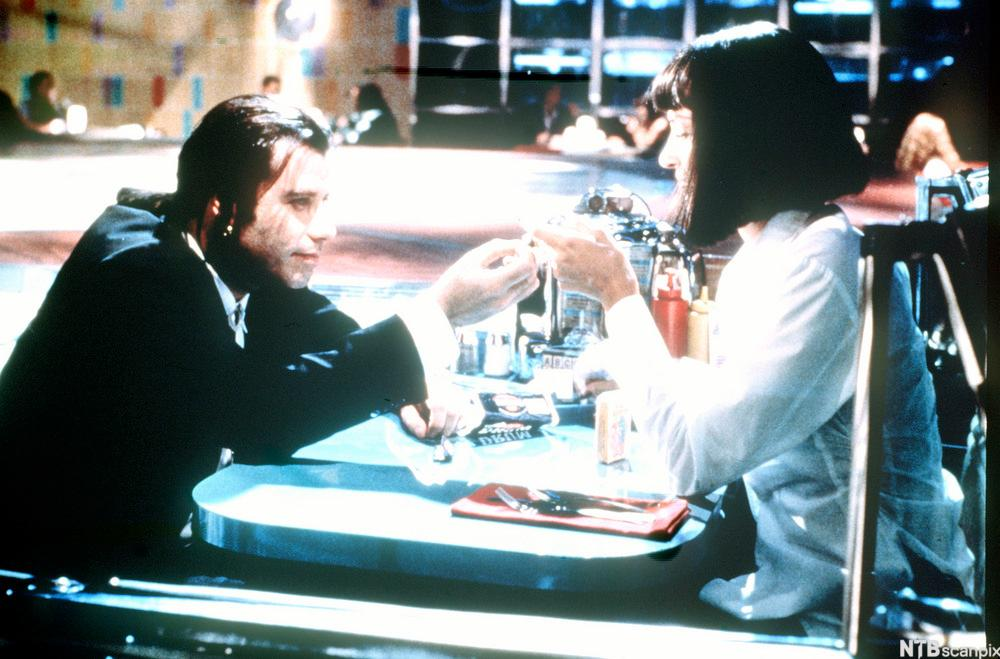 Mia og Vincent i kaféscenen i Pulp Fiction
