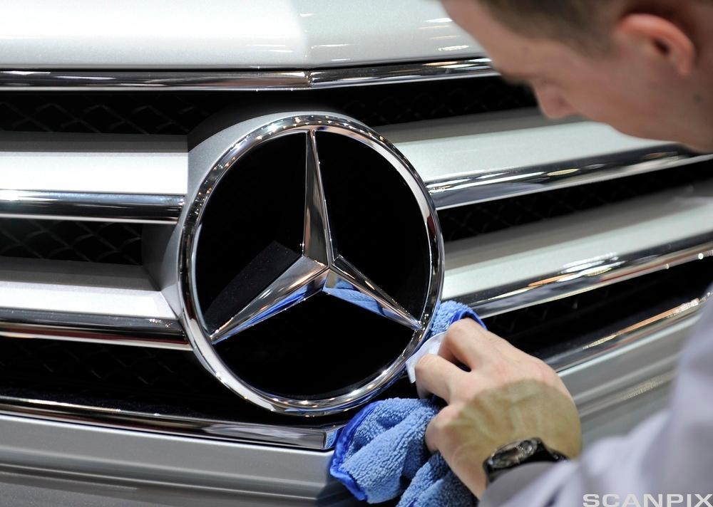 Mercedes-stjerne. Foto.