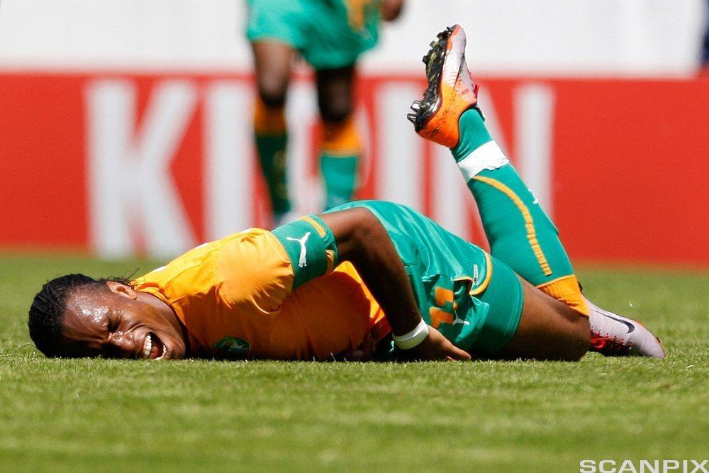 Skadet fotballspiller. Foto.