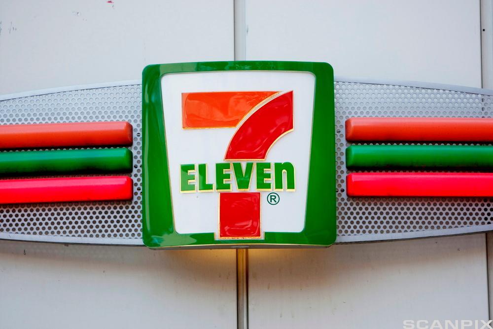 7-Eleven skilt. Foto.