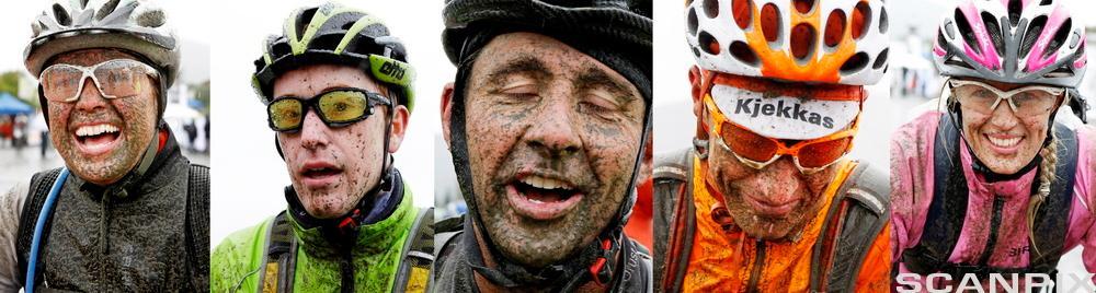 Portrett av syklister med hjelm på hodet og søle i fjeset. Foto.