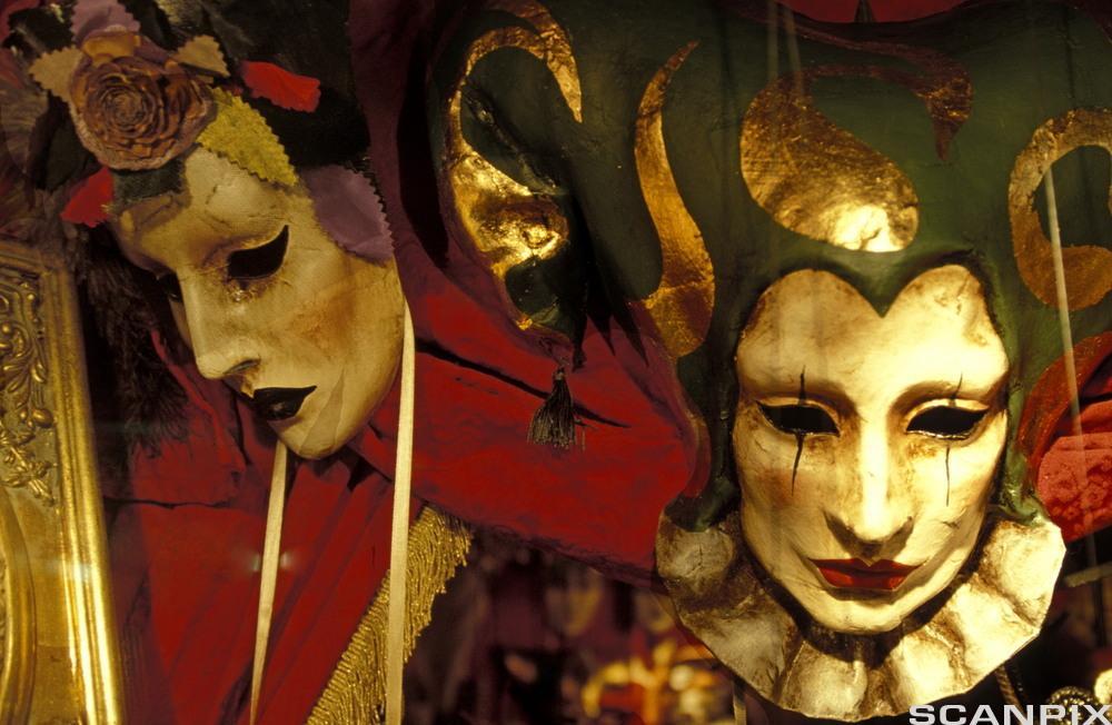 To masker. Bilde.