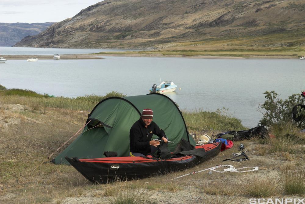 telt ved vannet