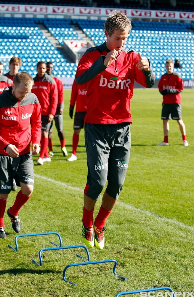 Morten Gamst Pedersen trener spenst sammen med landslaget på Ullevåll Stadion.