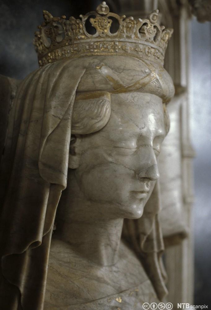 Bilde av skulptur av Dronning Margrete. Foto.