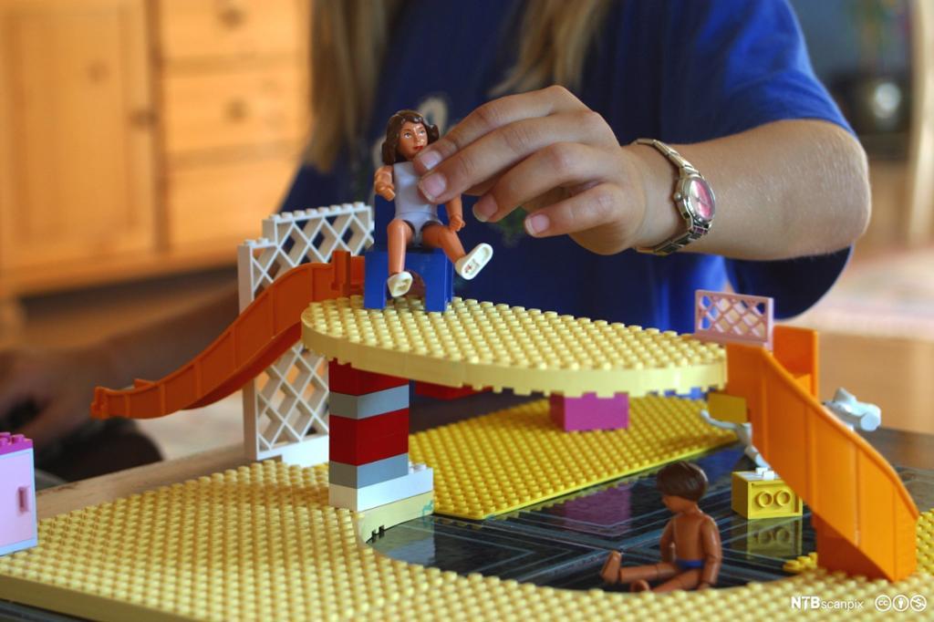 Leking med lego. Foto.