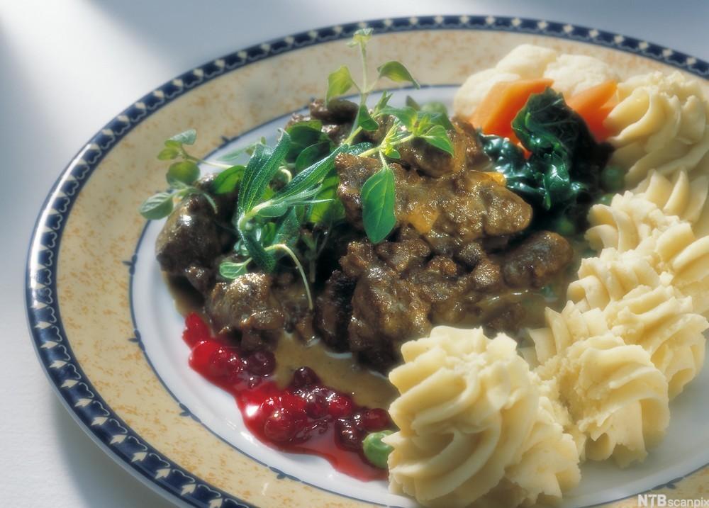 bilde av Leverragu med brokkoli og potetmos