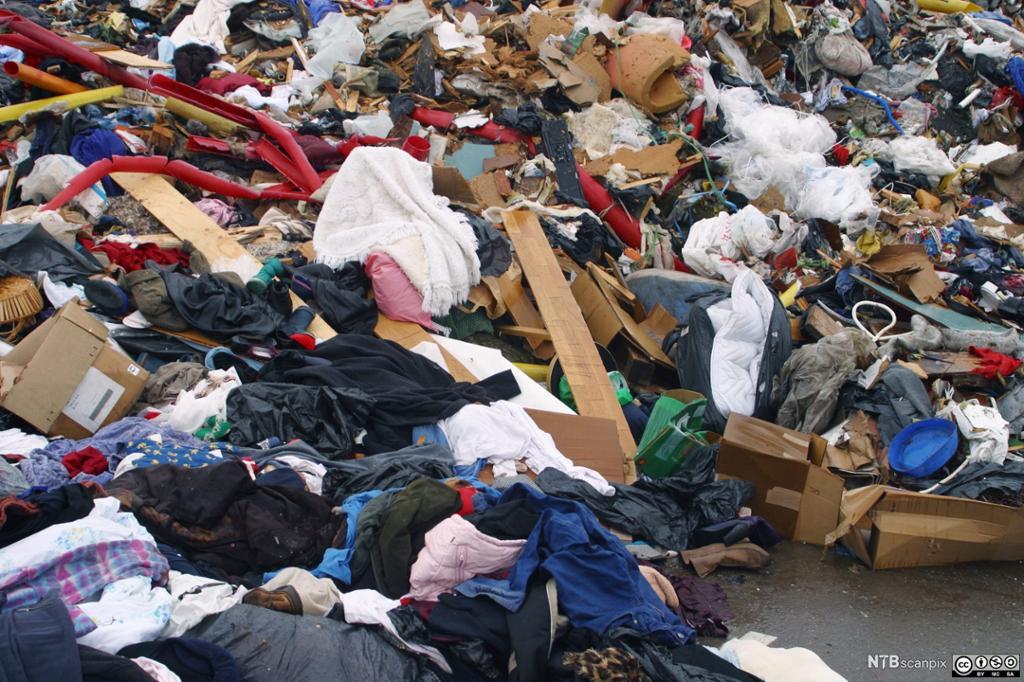 Bilde av søppel på Grønmo.
