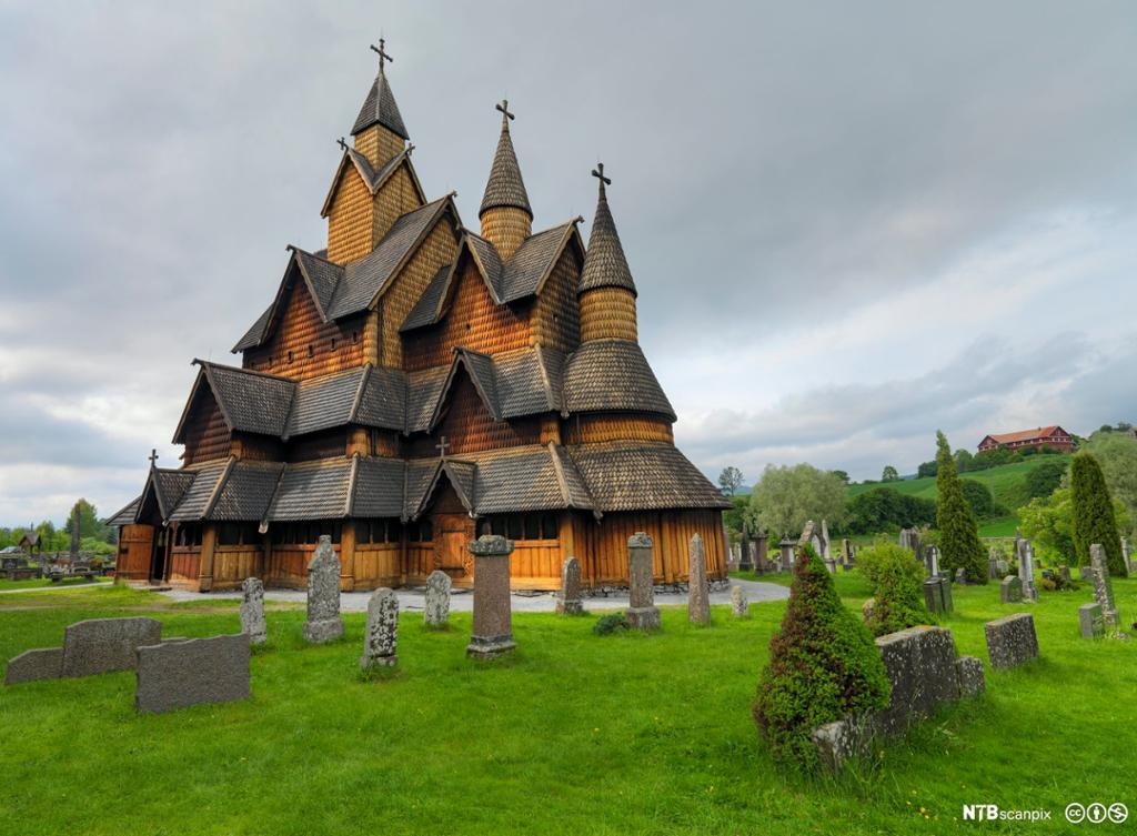 Heddal stavkirke i Telemark. Foto.