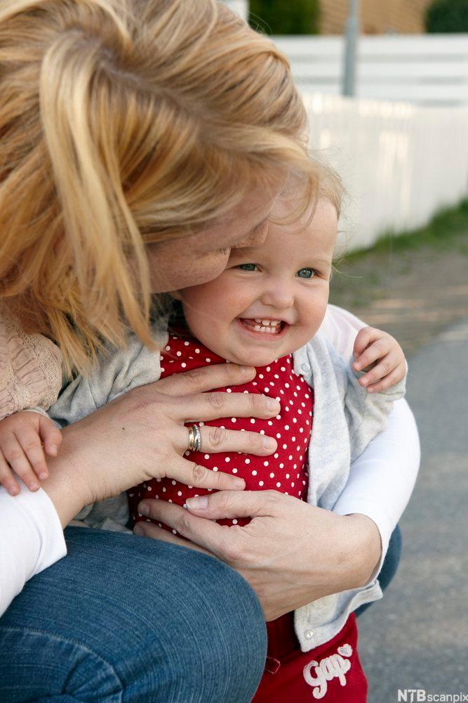 Mor og barn. Foto.