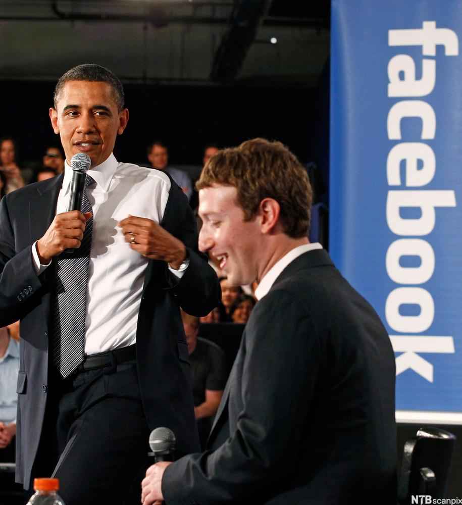 Obama attends a meeting at Facebook headquarters