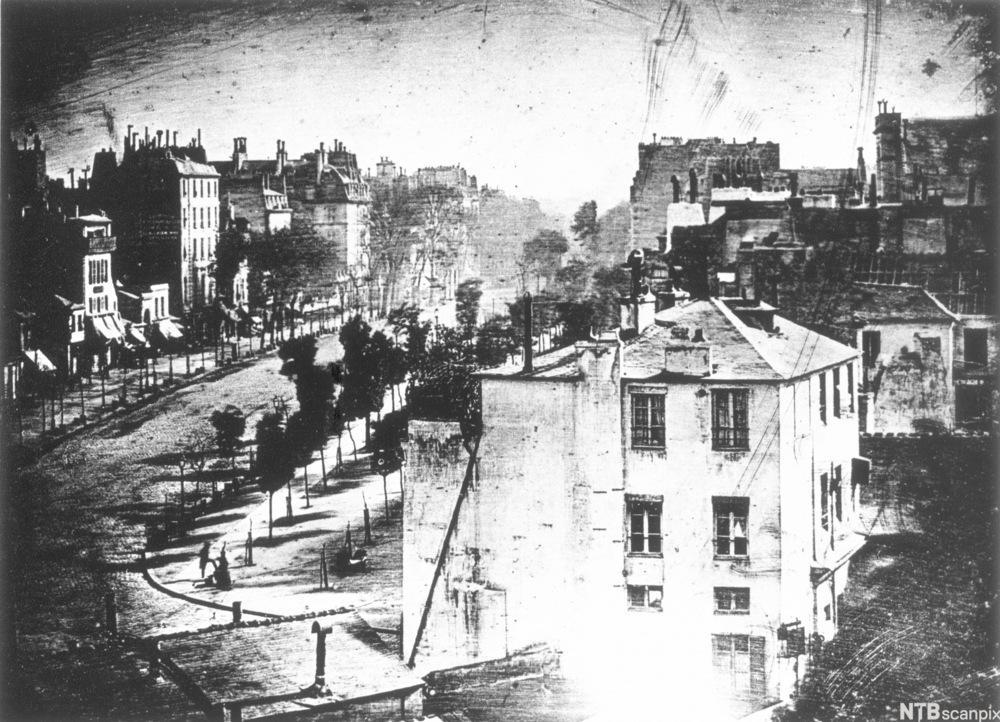 eksempel på daguerreotypi  fra 1839. Foto.