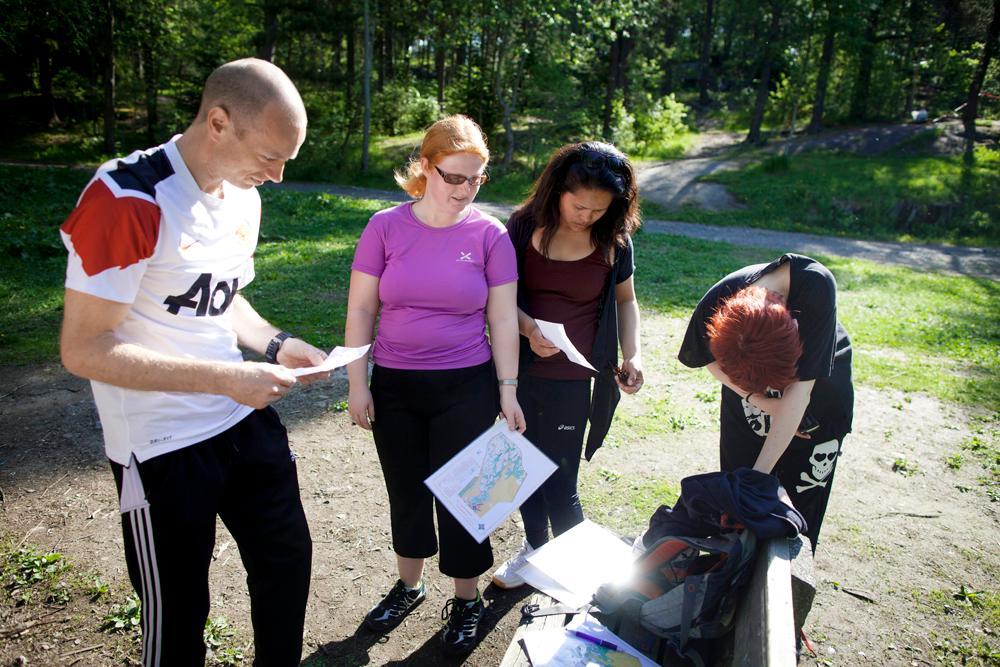 Elever lærer orientering. Foto.