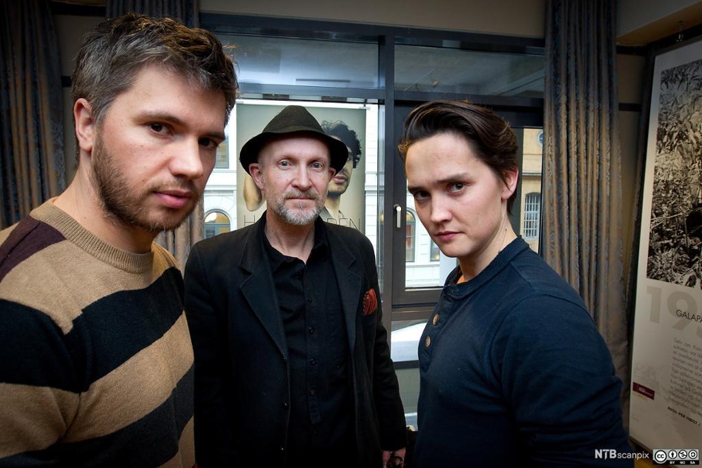 Nicolai Cleve Broch sammen med Lars Saabye Christensen og Frank Kjosås. Foto.