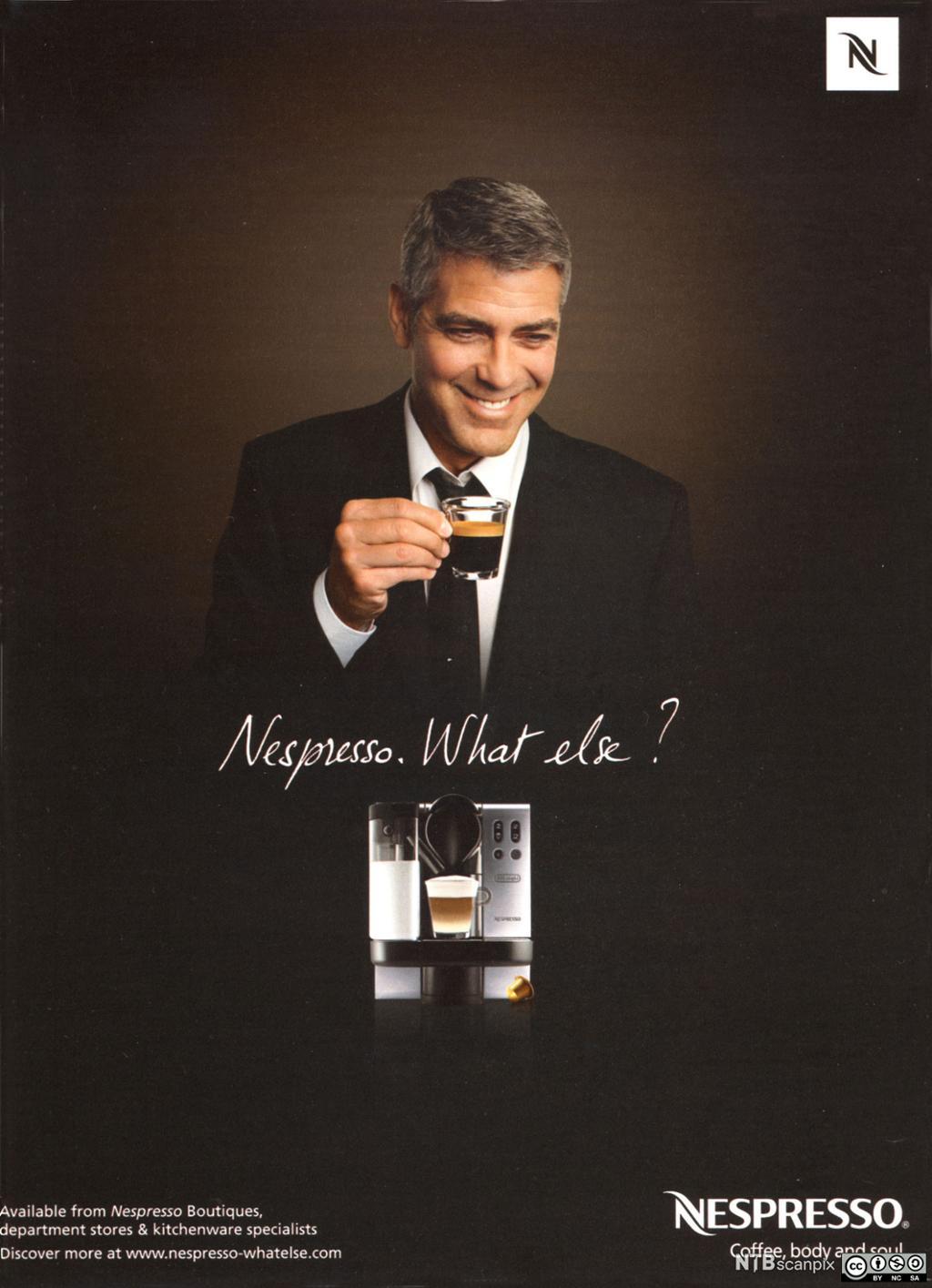 Bilde av George Clooney i reklame for Nespresso.