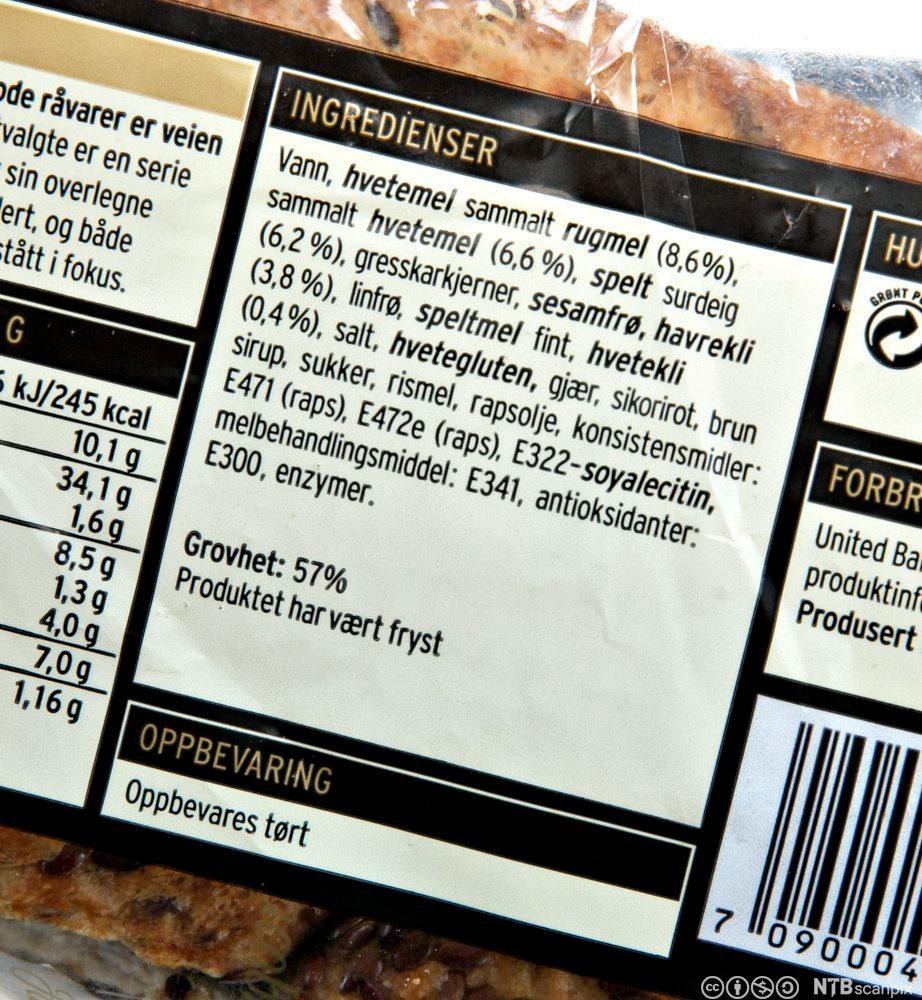 Ei ingrediensliste frå ein brødpose. Foto.