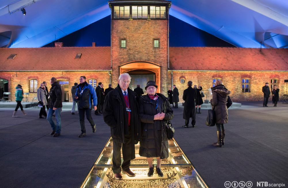Herman Kahan og Edith Notowicz, norske overlevende fra Auschwitz-Birkenau under minnemarkeringen i januar 2015. Foto.