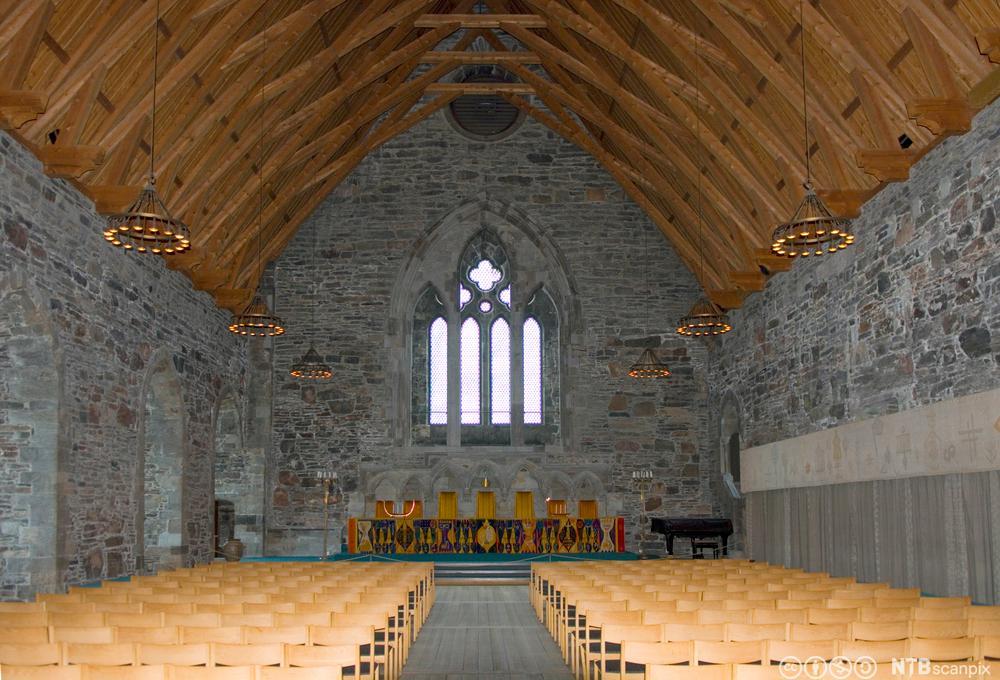 Interiør av Håkonshallen ved Bergenshus festning. Hallen ble bygget i 1261 og er restauret. Foto.