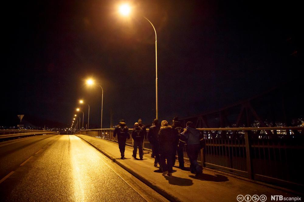 Odins soldater patruljerer gatene i Drammen. Fotografi.