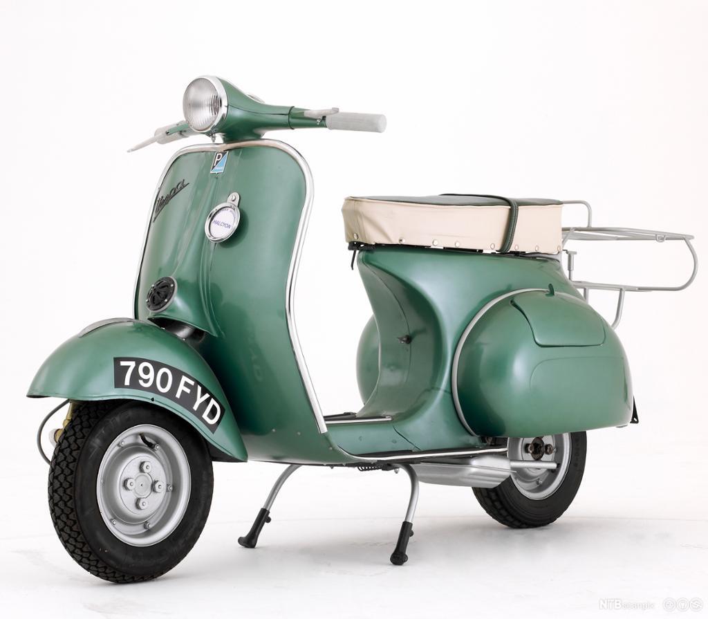 Mintgrønn Vespa fra 1950. Foto.