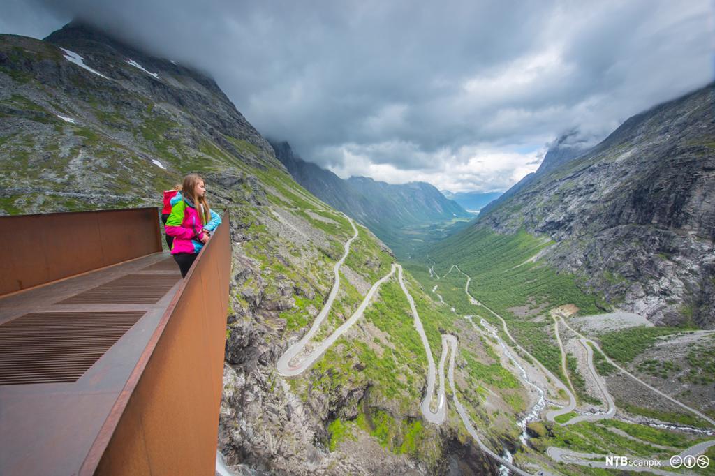 Utsikt over Trollstigen. Foto.
