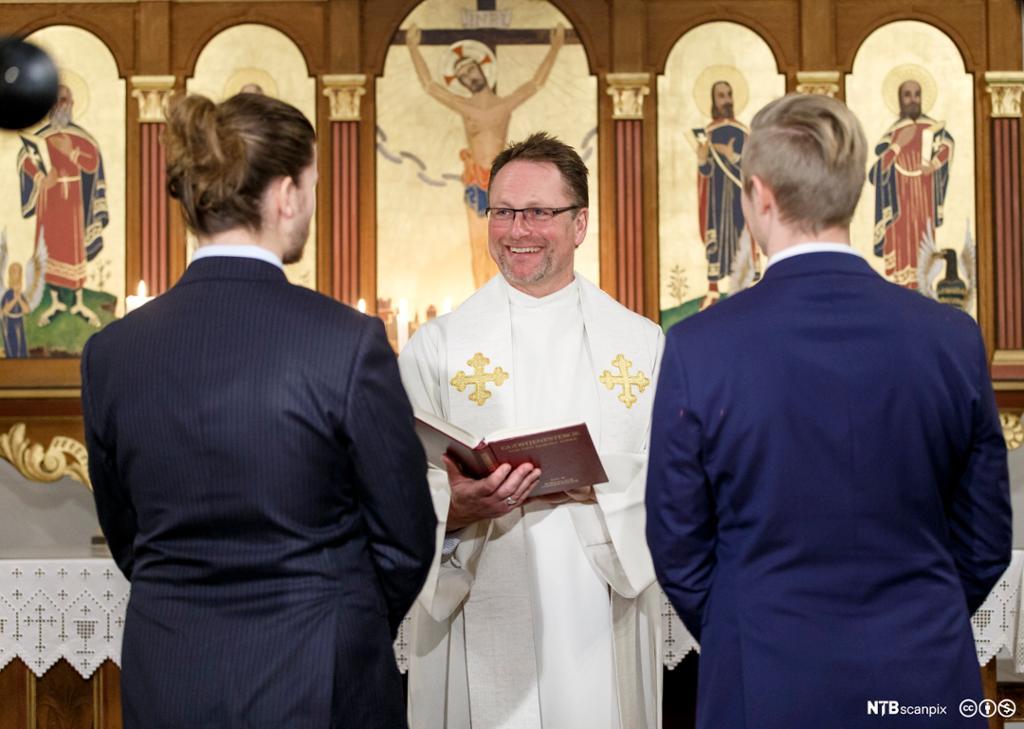 Vielse i norsk kirke. Likekjønnet ekteskap. Foto