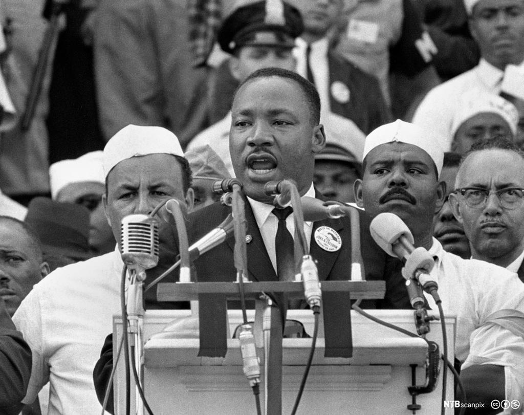 Marthin Luther King Jr. holder tale. Foto.