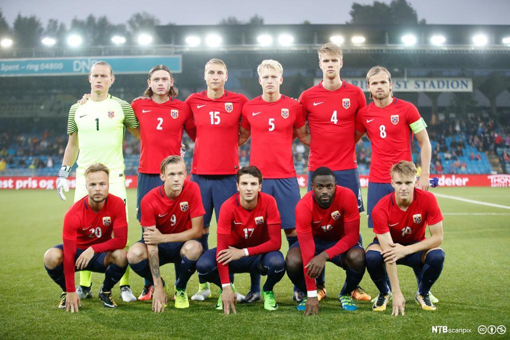 Norges U-21-landslag før kamp i 2017. Foto.